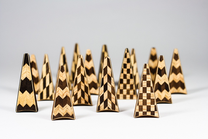 Inlaid-wooden-pendants