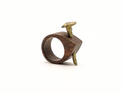 Nail-wood-ring_simone-frabboni-1