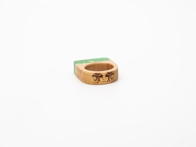 wooden-resin-ring