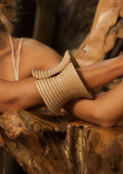 wood-bangle-work