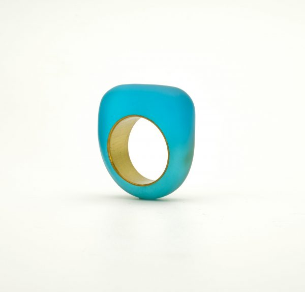 Ring in eco-resin and brass Blue
