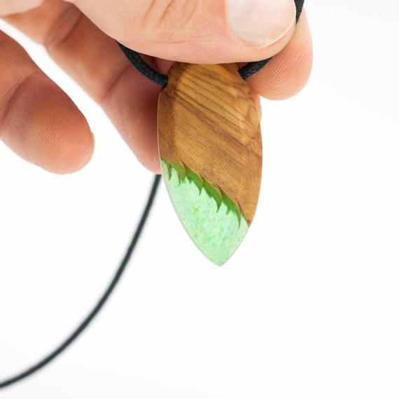 Resin and wood necklace