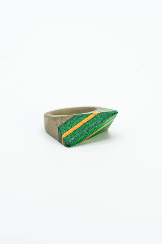 Resin and wood Ring  SIZE 10 1/2 US