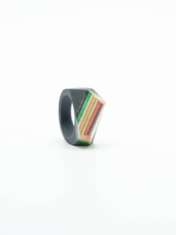 Resin and wood Ring  SIZE 7 1/2 US
