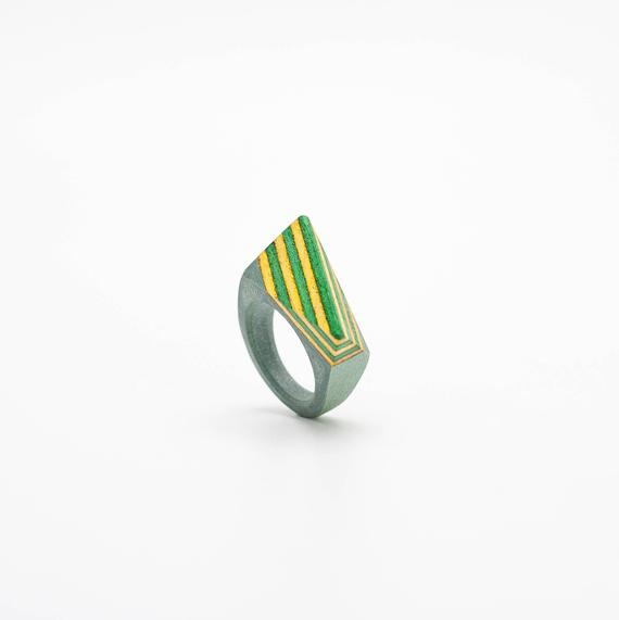 Resin and wood Ring – SIZE 7 US