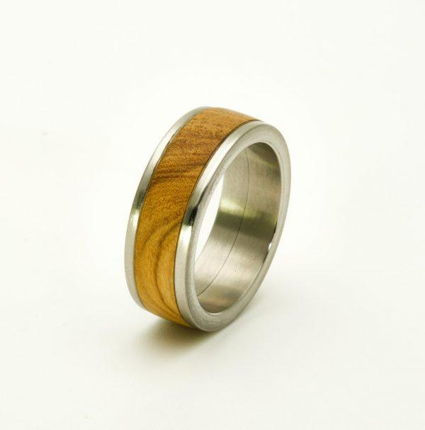 Olive wood wedding rings_3