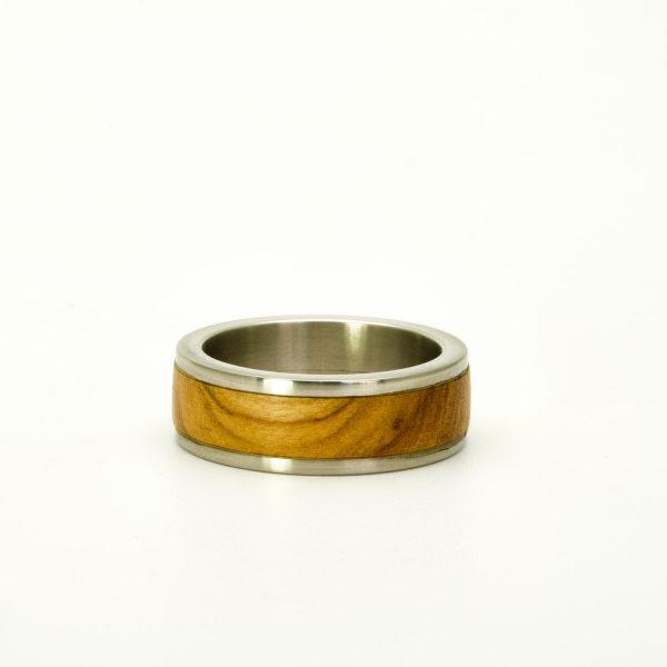 Olive wood wedding rings_4