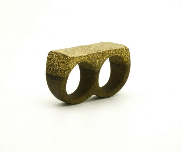 Double resin ring with golden powder