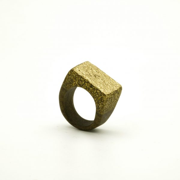 Golden powder resin ring